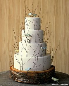 Love the log slice cake plate. Love the twigs, but maybe fewer, and without the birds.