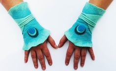 Items similar to Unique handmade felt Gauntlets hot transition to wrap wrapping arm warmers wrist warmers cuffs cuffs cuff on Etsy Half Gloves, Loom Knitting Patterns, Hat Patterns, Stitch Patterns, Felting Tutorials, Knitting Tutorials, Fingerless Mittens, Wrist Warmers, Nuno Felting