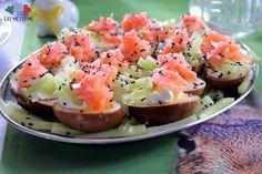 Jajka a'la sushi – czyli przepis na jajka wielkanocne, które totalnie zaskoczą Twoich gości – Eat Me Fit Me! :) Easter Dishes, Brunch, Baked Potato, Cantaloupe, Food And Drink, Snacks, Dinner, Fruit, Cooking