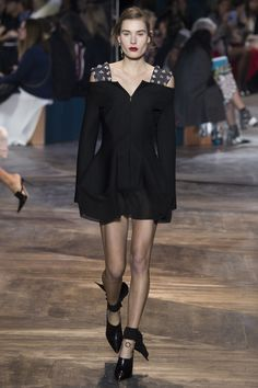 Christian Dior #VogueRussia #couture #springsummer2016 #ChristianDior #VogueCollections