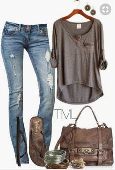 length top jeans and flip flops! Love this look! Def my style. length top jeans and flip flops! Love this look! Def my style. Komplette Outfits, Spring Outfits, Casual Outfits, Fashion Outfits, Womens Fashion, Fashion Trends, Night Outfits, Outfit Summer, Fashion 2018