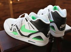 Nike Air Tech Challenge II White/Poison Green