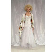 Gemma Ward au défilé haute couture Emanuel Ungaro printemps-été 2004 http://www.vogue.fr/mariage/inspirations/diaporama/les-robes-mythiques-de-la-haute-couture/15990