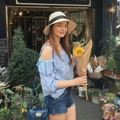 Just bought myself a sunflower,because no one buys flowers for me and I thought why not 🌻 Korean Bikini, Angelina Danilova, All Fashion, Womens Fashion, Beach Bunny Swimwear, Victoria Secret Fashion, Russian Models, Before Us, Hey Girl