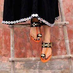 Ladies Footwear - Buy Handmade Ethnic Footwear for Women Online Chappals For Womens, Stylo Shoes, Girls Shoes, Ladies Shoes, Ladies Footwear, Online Shopping Shoes, New Shoes, Women's Shoes, Shoes Style