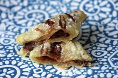 Take a look at our delicious Nutella Marshmallow Turnovers recipe with easy to follow step-by-step pictures.