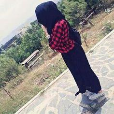 Hijabi Girl, Girl Hijab, Hijab Outfit, Hijab Style, Hijab Chic, Street Hijab Fashion, Abaya Fashion, Stylish Girls Photos, Stylish Girl Pic