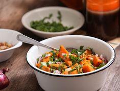 סלט בטטה ובוטנים (צילום: בני גם זו לטובה ,אוכל טוב) Salad Recipes, Vegan Recipes, Cooking Recipes, Recipe For Mom, Vegetable Side Dishes, International Recipes, Thai Red Curry, Easy Meals, Vegetarian