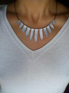Collares cortos - Rayos de luna: collar de cuero - hecho a mano por cuerameartesanias en DaWanda