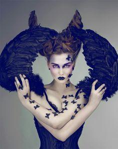Her hair it's so Disney's Maleficent! Dark angel of fashion!