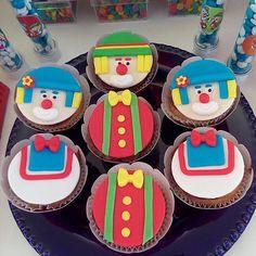 "Festa Patatí Patatá para o José <span class=""emoji emoji1f3aa""></span><span class=""emoji emoji1f388""></span><span class=""emoji emoji2764""></span>️! #Cupcakes #PatatiPatata #FestaPatatiPatata ..."