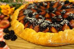 Кростата - crostata A crostata is an Italian baked tart or pie, also known as coppi in Naples and sfogliate in Lombardy. The earliest known use of crostata in its modern sense can be traced to the cookbooks Libro de Arte Coquinaria (Art of Cooking) by Martino da Como, published circa 1465,[2] and Cuoco napolitano (Neapolitan recipes), published in the late 1400s containing a recipe (number 94) titled Crostata de Caso, Pane