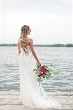 gorgeous beach bride @weddingchicks