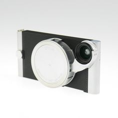 Clean aluminum iPhone case with 4 in 1 removable lens attachment.