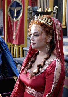 Atia of the Julii - Polly Walker in Rome, set between 49 BC and 31 BC (TV series Rome Costume, Costumes, Rome Hbo, Rome Tv Series, Little Boy Blue, English Actresses, Black Edition, In Ancient Times, Character Portraits