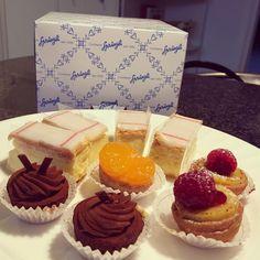 "12 Likes, 1 Comments - Cara Snyder (@bowandbranch) on Instagram: ""Breakfast surprises from my honey. #sprungli #sprüngli #swisschocolate #zurich #tasty #chocolate…"""