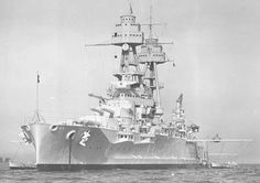 14 in Nevada class battleship USS Oklahoma, the other total loss during the Pearl Harbor attack on 7 December 1941 (see Arizona picture nearby). Naval History, Military History, Uss Oklahoma, Us Battleships, Uss Arizona, Heavy Cruiser, Capital Ship, Us Navy Ships, Pearl Harbor Attack