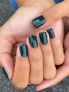 Cute Nails, Pretty Nails, Pretty Short Nails, Short Gel Nails, Short Nails Art, January Nail Colors, Nail Tip Colors, One Color Nails, Pretty Nail Colors