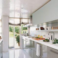 Este verano transforma la terraza en tu zona favorita de casa por muy poco con estas ideas. Lleva la alegría al diseño de tus espacios exteriores.