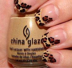 I actualy like this and I normally don't like finger nail painting.