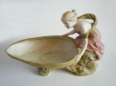 Royal Dux Art Nouveau 'Maiden with Shell' Vide Poche c1910