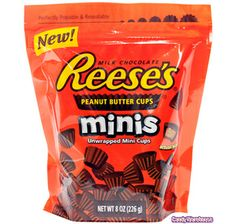 Reese's Dark chocolate in mini cups Cheetos Crunchy, Kosher Candy, Junk Food Snacks, Food Food, Candy Labels, Sour Candy, Reeses Peanut Butter, Favorite Candy, Chocolate Peanuts