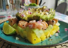 Foto principal de Tartar de Salmón Sushi, Ceviche, Fruit Salad, Food, Marinated Salmon, Dishes, Food Recipes, Juices, Lime Juice