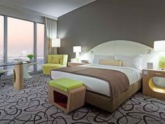 CLASSIC ROOM - KING SIZE BED, COASTLINE AND SHEIKH ZAYED VIEW