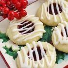 Rezeptbild: Marmeladenplätzchen mit Mandeln und Zuckerglasur