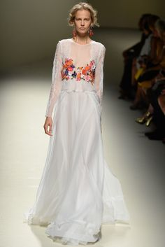 Alberta Ferretti RTW Spring 2014 [Photo by Davide Maestri]