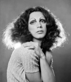 Remembering Holly Woodlawn, a Transgender Star of the Warhol Era - The New York Times