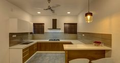 കൗതുകങ്ങൾ നിറയുന്ന വീട്, ഒപ്പം വാസ്തുവും! വിഡിയോ   Home Plans Kerala   House Plans Kerala   Home Style   Manorama Online Kitchen Cupboard Designs, Kitchen Room Design, Kitchen Dinning, Kitchen Cupboards, Interior Design Kitchen, Kitchen Decor, Kerala Houses, Kerala House Design, Home Kitchens