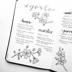 although we are already in september, here's an august weekly spread Esa semana intenté probar un estilo en blanco y negro y así me quedó