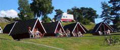 Strömstad Camping är en lugn och naturnära camping i äkta bohuslänsk miljö. Här har du nära till bad och till Strömstad centrum som har ett stort utbud av både shopping, restauranger och olika aktiviteter. Camping, Bad, Sweden, Animals, Alternative, Pictures, Campsite, Animales, Animaux