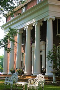 Southern Homes, Southern Belle, Southern Charm, Southern Comfort, Beautiful Buildings, Beautiful Homes, Beautiful Gardens, Beaumont Inn, Southern Architecture