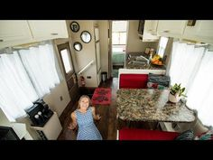 Remodeled Class C RV Motorhome Makeover Video Tiny House Cabin, Tiny House On Wheels, Bus House, Tiny Houses, Class A Rv, Painting Countertops, Old Apartments, Rv Interior, Small Cabinet