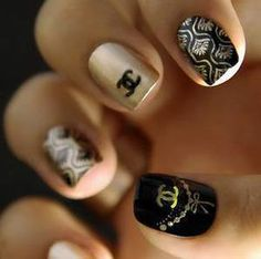 XD Chanel nails are pretty much killin it LOL Fabulous Nails, Gorgeous Nails, Love Nails, Pretty Nails, Fun Nails, Nail Art Chanel, Chanel Nails Design, Nails Opi, Glam Nails