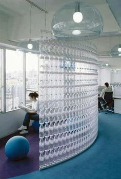 Water bottle wall Home Improvement Recycled Plastic bottle improvement plastic recycled water DecorationOutdoor Empty Plastic Bottles, Plastic Bottle Crafts, Recycled Bottles, Water Bottles, Plastic Recycling, Plastic Bottle House, Glass Bottles, Sweet Home, Bottle Wall