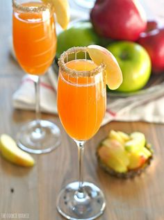 Apple Cider Mimosas. This is the best and easiest cocktail for Fall! Apple…