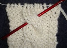 Wise Hilda Knits: Counting Rows in Cables - handy trick for figuring out what row you're on!