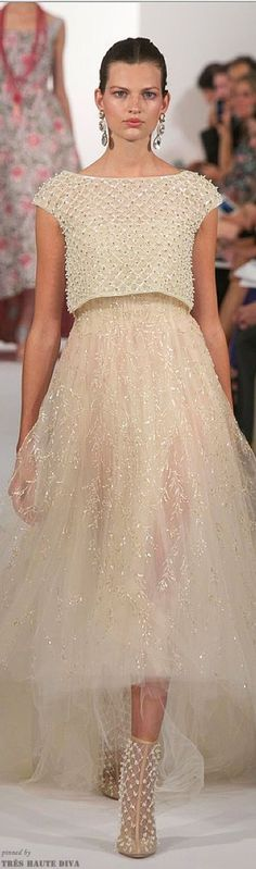 Oscar de la Renta Spring 2014 RTW. More fashion, lifestyle and beauty over at www.breakfastwithaudrey.com.au