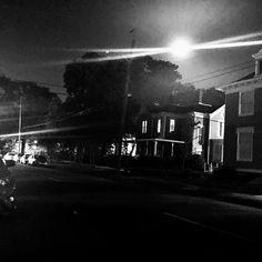 Mi Casa Baja le Luna Llena My house under the full moon.  #liveauthenticly #organicbeauty #wildandfree #blackandwhite #fullmoon #myhouse #wildchildlifestylz #lifestyle #lifestyledesign #photography #photooftheday #citylove #downtown #fullmoonnight #fullmoonscorpio