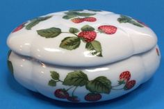 Trinket Box Strawberries Leaves Removeable Lid White Red Green Jewelry Catch All