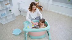 Baby Folding BathTub This amazing bathtub folds up and collapses down so you can store this wonder worker away or take it on the go and the best part is that its lightweight and easy to clean. Baby Life Hacks, Baby Tub, Baby Necessities, Baby Essentials, Baby Supplies, Cool Baby Stuff, Stuff For Babies, Baby Stuff Must Have, Free Baby Stuff