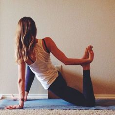 yin yoga: poses for hips and hamstrings. Yup - they don't stretch well either so here's some yoga lovin' ^_^ Yin Yoga, Yoga Bewegungen, Yoga Moves, Yoga Meditation, Yoga Fitness, Fitness Tips, Qigong, Sri Prem Baba, Bodybuilding