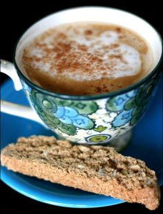 A delicious and healthy #Vegan Vanilla Almond #Biscotti recipe. Makes a great holiday gift, too!