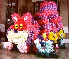 Cheshire Cat   Alice in Wonderland Balloon Sculpture