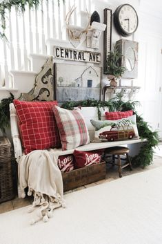 Lovely DIY Rustic farmhouse christmas entryway – A must pin for farmhouse and cottage style Christmas decor. The post DIY Rustic farmhouse christmas entryway – A must pin . Christmas Entryway, Farmhouse Christmas Decor, Christmas Home, Christmas Pillow, Cabin Christmas Decor, Country Christmas, Christmas Ideas, Merry Christmas, Christmas Colors