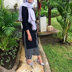"2,663 Likes, 42 Comments - Firdaws Avenue (@firdawsnour) on Instagram: ""La vie est une aspiration vers l'avenir ~ Pierre Leroux Maxi hijab from @firdouscollections…"""