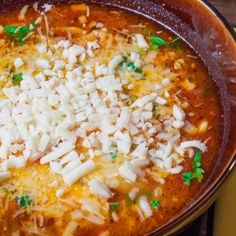 Lasagna Soup - All the flavors of traditional Lasagna but in a bowl! Perfect for those times when you're craving lasagna but lack the time. Soup Recipes, Salad Recipes, Dinner Recipes, Cooking Recipes, Lasagna Recipes, Healthy Cheat Meals, Lasagna Soup, Cheese Lasagna, Easy Black Bean Soup